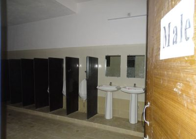 Toilet facility for boys